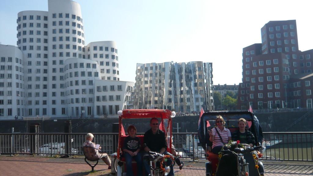 Stadtrundfahrt, Medienhafen