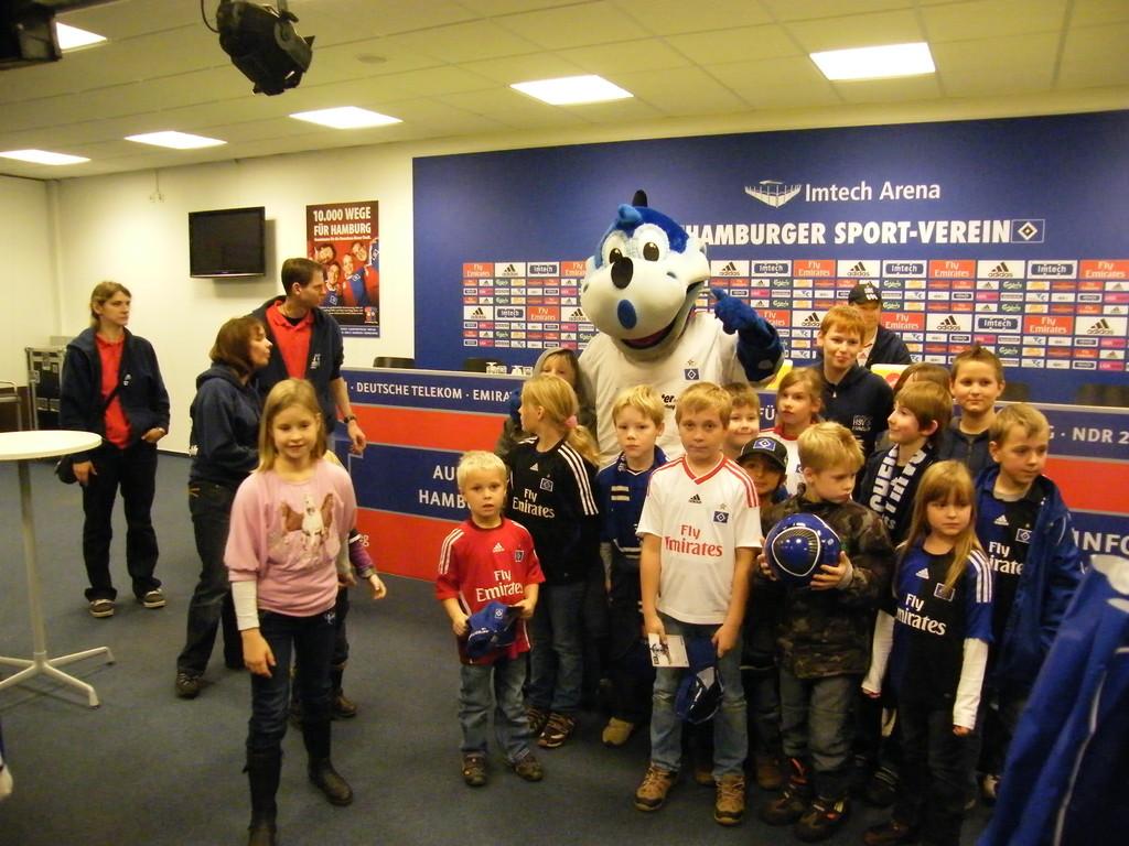.....noch ein Gruppenfoto mit unseren Kindern und Dino