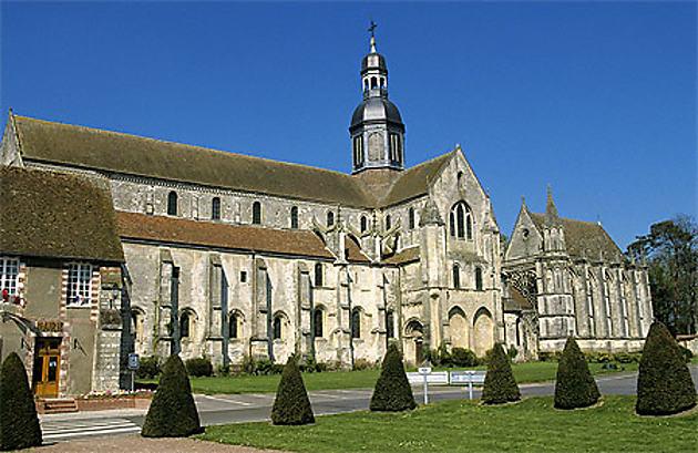 L'église abbatiale de Saint-Germer de Fly (Oise)