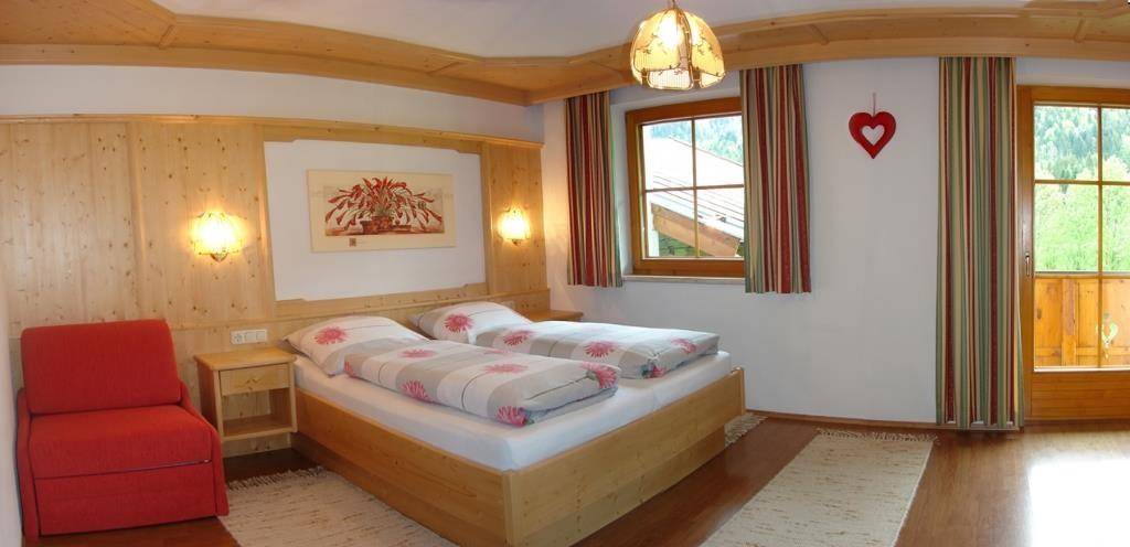 Betten mit komfortabler Höhe und am Fußende offen
