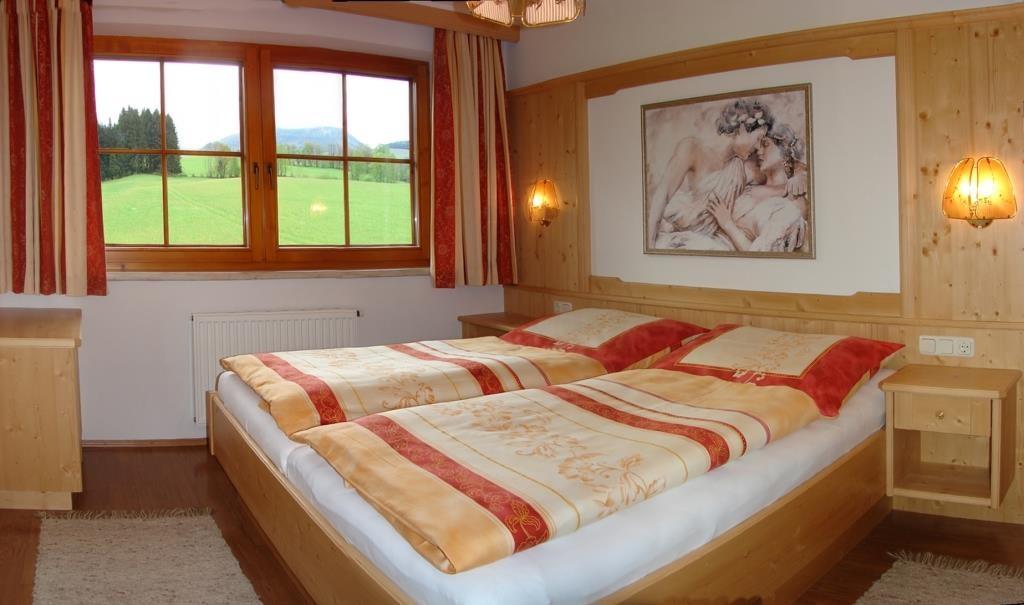 Betten mit komfortabler Höhe, Fußende offen