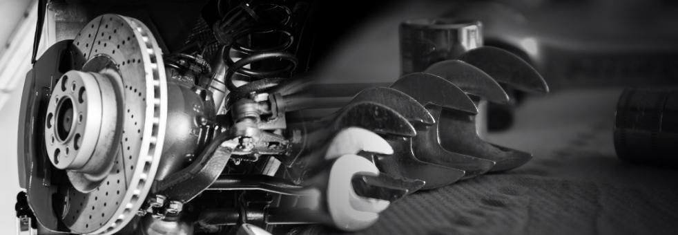 Vom Ölservice bis zur Unfallinstandsetzung steht unser Fachpersonal für Sie zur Verfügung.