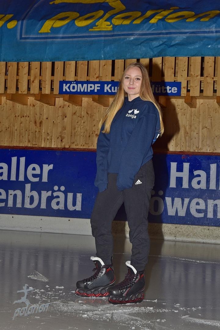 Ronja Malsch - 16 Jahre - Freestylerin seit 16/17, Instagram: rx_nja