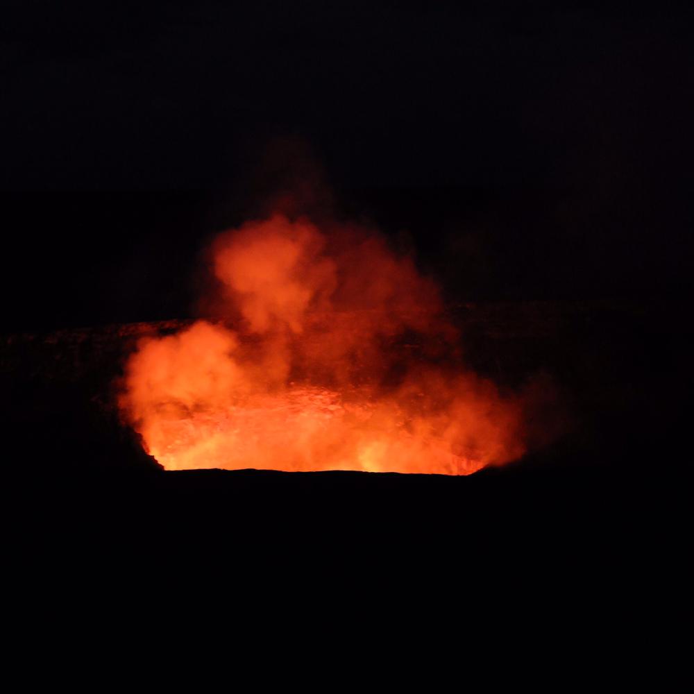 地球も「生」、「命」の炎を燃やし続けてますね。