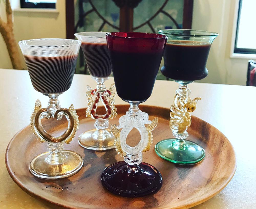 ベネチアングラスで美のジュースを乾杯(●⁰౪⁰●)ニヤリ