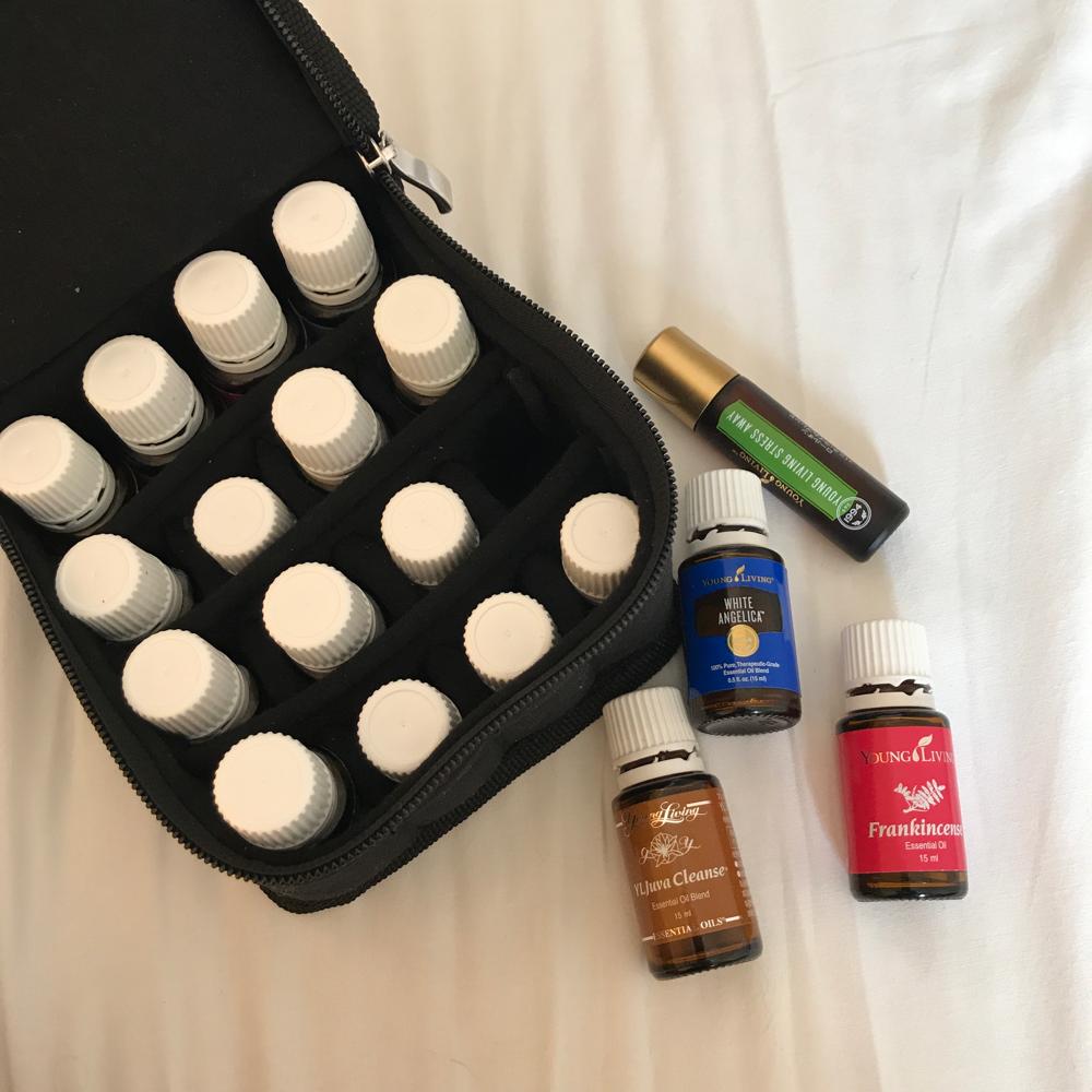 旅にはアロマをお薬やサプリ、美容液として持って行きます