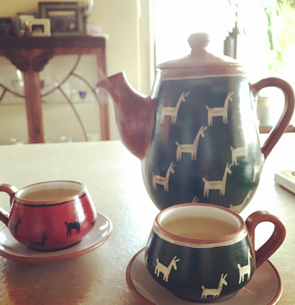 サロンではお客さんに合わせたお飲物をお出ししてます。このカップはペルーから頑張って持って帰ってきたお気に入りの器