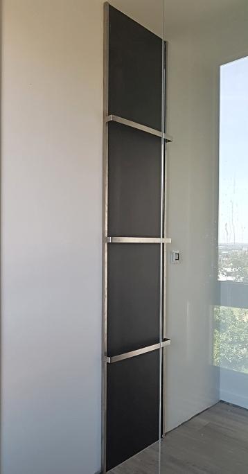 Handtuchhalter Edelstahl auf vorgesetzter Wandfliese