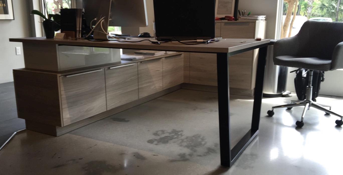 PC Tisch schwarz pulverbeschichtet