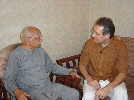 Peter Rühe talks with Shrichand J. Chhugani about India's independence movement and Mahatma Gandhi, Mumbai, February 26, 2005.