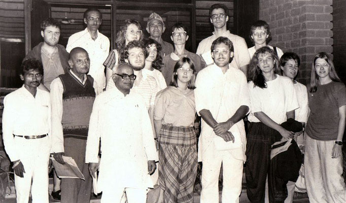 "Amrutbhai Modi (secretary Sabarmati Ashram) with Peter Rühe and the participants of the group tour ""In the Footsteps of Mahatma Gandhi"" in Ahmedabad, 23 December 1987"