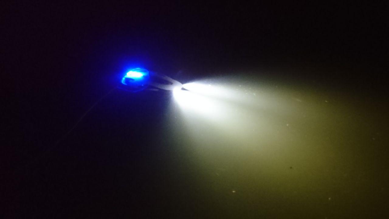 Durch zwei leistungsstarke LED-Scheinwerfer, konnten wir die Drohne auch bei Nacht einsetzen!
