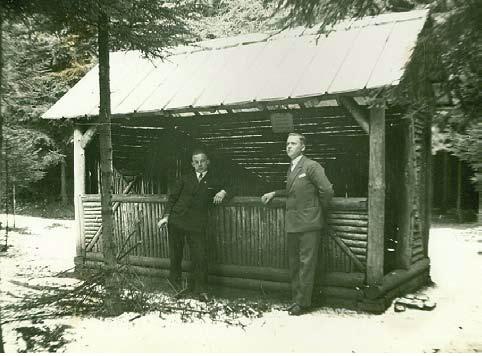 Hütte Waldesruh, rechts wilhelm Bäcker