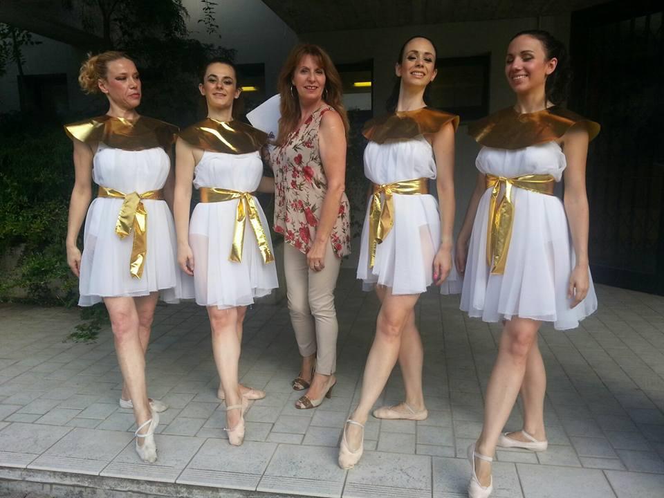 Le nostre ballerine a la nostra costumista Patrizia