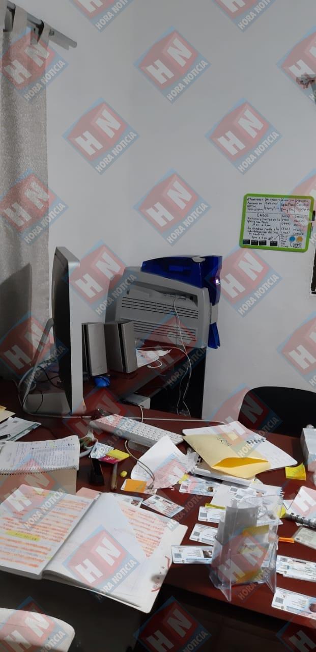 Se decomisaron computadoras y aparatos para clonar licencias en Playa del Carmen