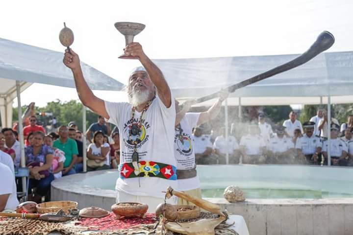 Ceremonia fúnebre maya por parte del grupo maya prehispánico