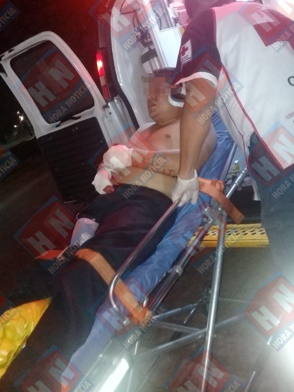 El taxista resultó severamente lesionado.