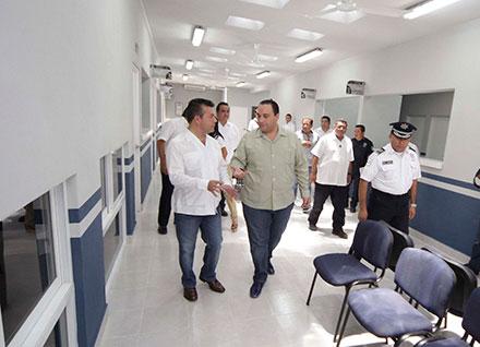 En el 2015 se entregaron las instalaciones del módulo de licencias, Mauricio Góngora, Roberto Borges y Rodolfo del Angel Campos