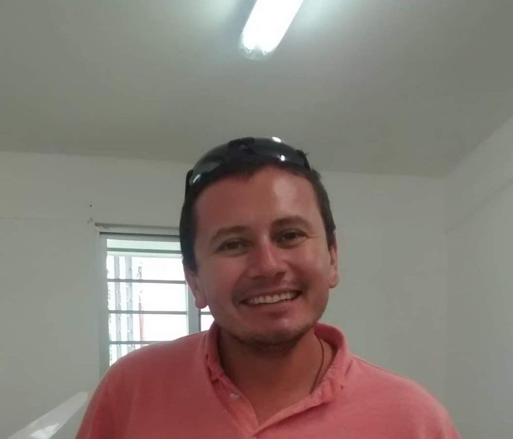 Josué Alias el Ruso, encargado del Parque Vehicular.