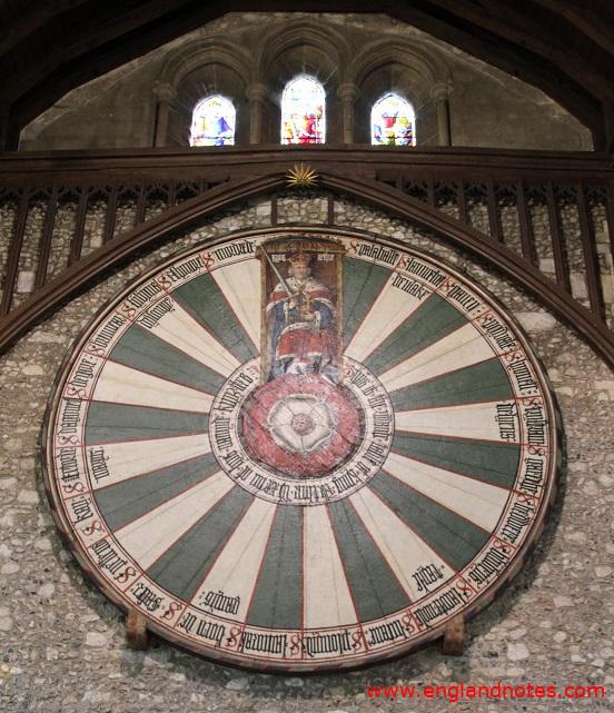 Sehenswürdigkeiten und Reisetipps Winchester, England: Der Runde Tisch von König Artus und den Rittern der Tafelrunde in der in der Great Hall