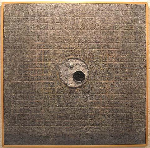"VICENTE  ROJO, ""2 espejos enterrados"", tec.mix/tela, 100x100cm, 2000."