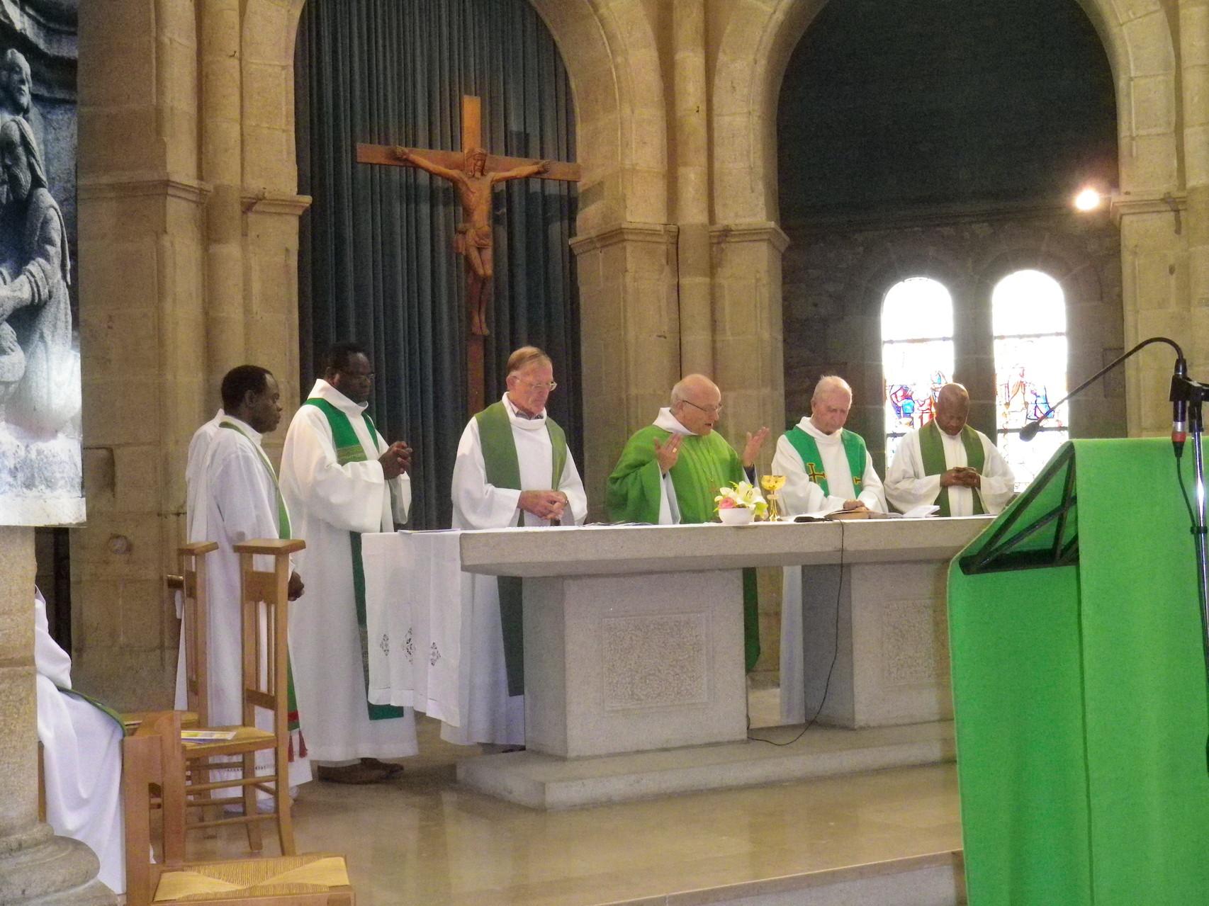 Célébration présidée par Mgr Lucien Fruchaud