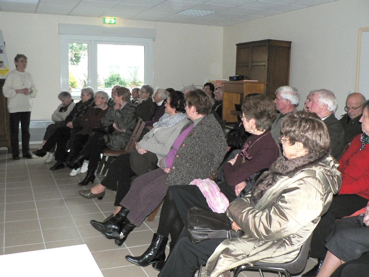 Bourbriac - Exposition et échange sur la vie religieuse