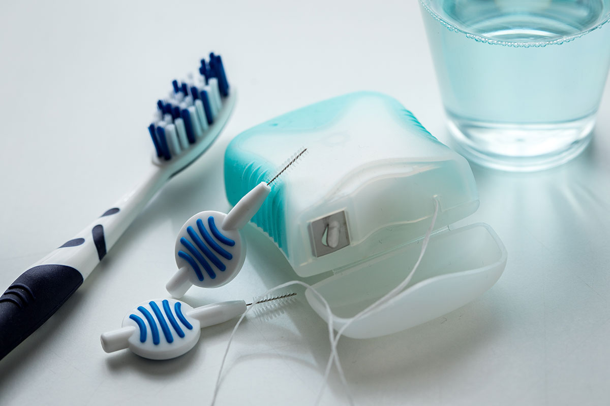 Schlechte Mundhygiene erhöht das Risiko für schwere Corona-Verläufe