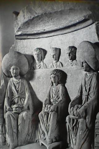 les trois mattres, passé, présent et futur incarnés en trois déesses mères.