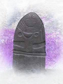 Statues stèles, chez les Ligures, a Brocéliande et aussi en Angleterre. Les tétons style Gundestrup, les tresses aussi.