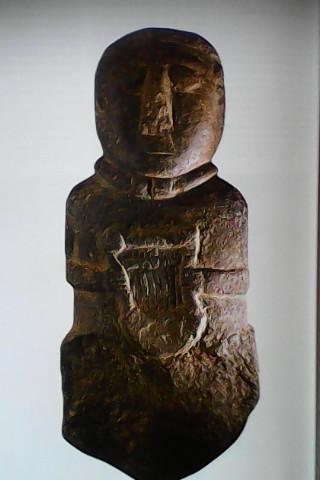 Figure de Barde magicien, un druide père en fait, reconnu à son collier spécial.