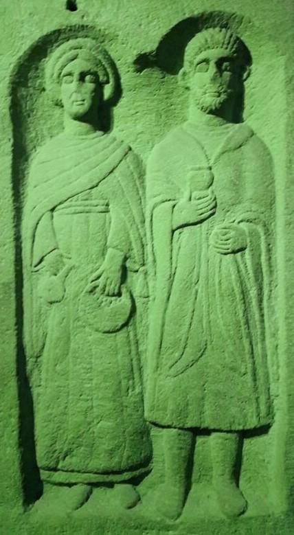 Les divinitées du mariage gaulois. Musée de Gergovie.
