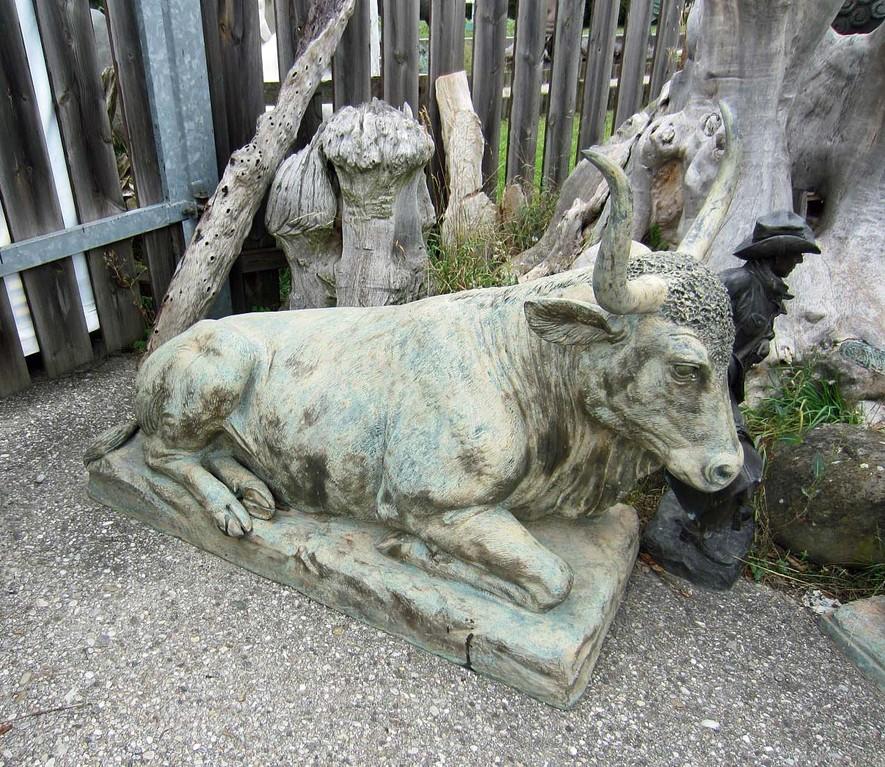 Stier Skulptur