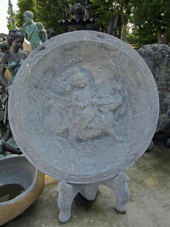 chinesisches Steinrelief mit Drachen
