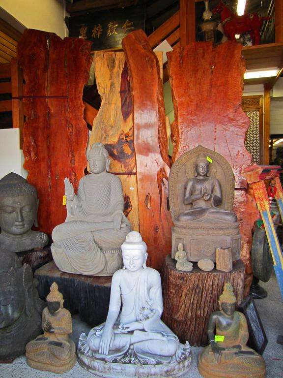 Buddhas aus Vulkanstein