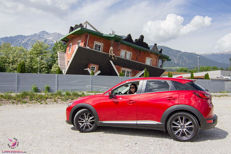 Haus steht Kopf in Terfens, Tirol