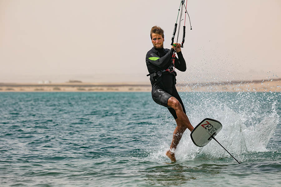 Pro Kitefoiler Florian Gruber in Somabay