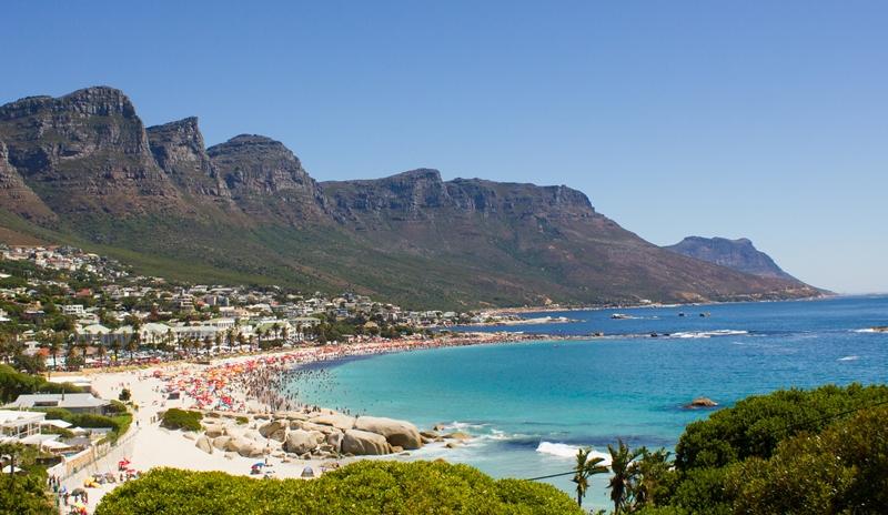 Sommerurlaub im Winter: Südafrika - Camps Bay in Kapstadt