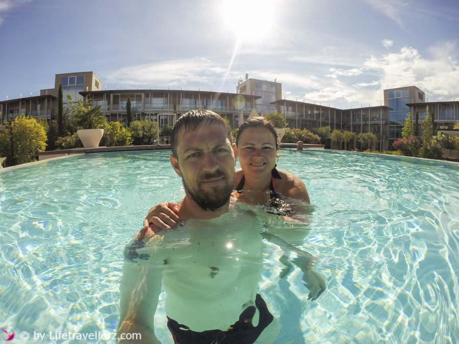 Roadtrip Italien mit Mazda MX5, Hotel Aqualux, Pool