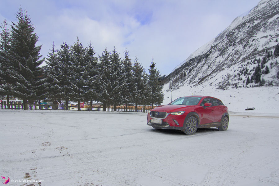 Mazda CX-3 in Hintertux im Zillertal by Lifetravellerz
