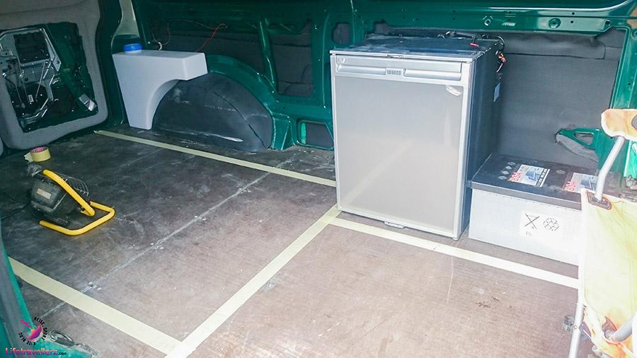 Camper Conversion, Möbelbau Planung im VW Bus