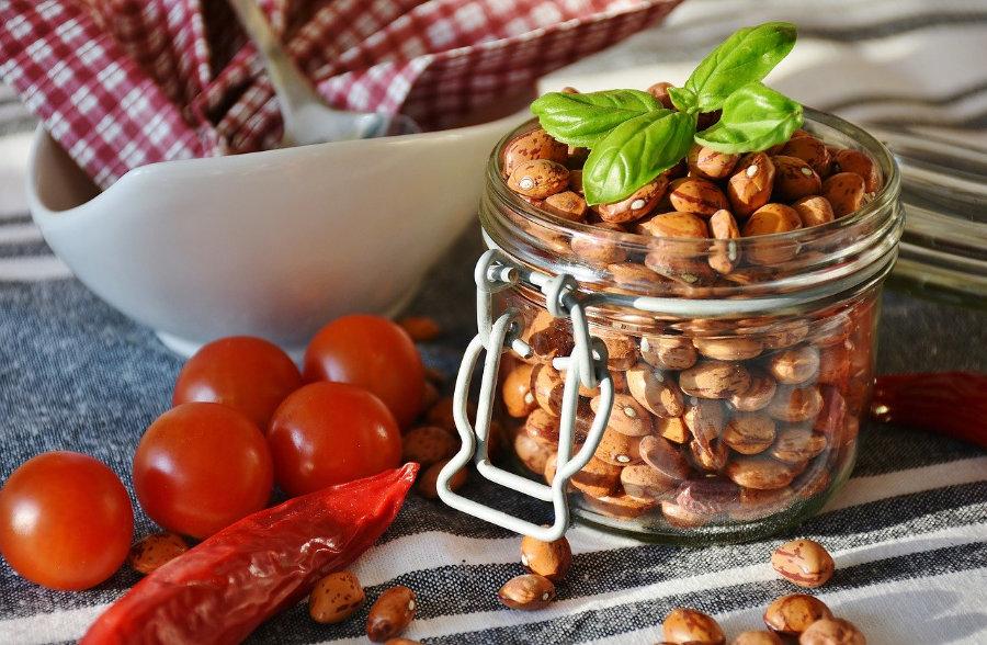 Bohnen , Tomaten, Chilischoten - Vegane Ernährung