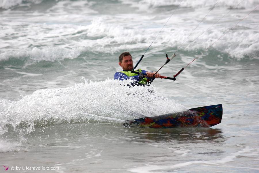 Kitesurfen Tarifa-Dador Trockenanzug-Lifetravellerz