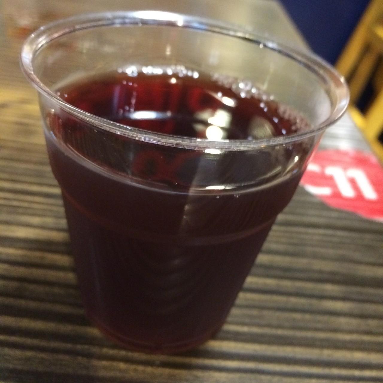 燻製のようなスモーキーな梅ドリンク。飲み物でスモーキーって・・・?一瞬ひるみますが、意外とさっぱりして美味しいです。胃がもたれないようにこれを飲むそうです。