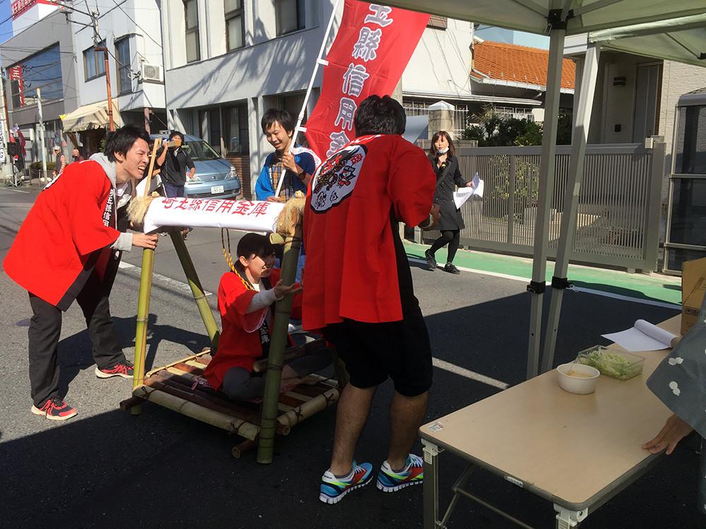 最初に折り返し地点についたのは埼信チーム!