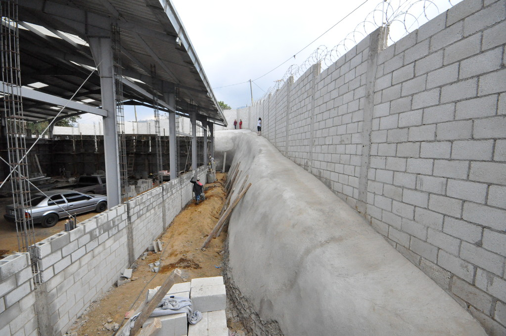 cement slope protecting wall