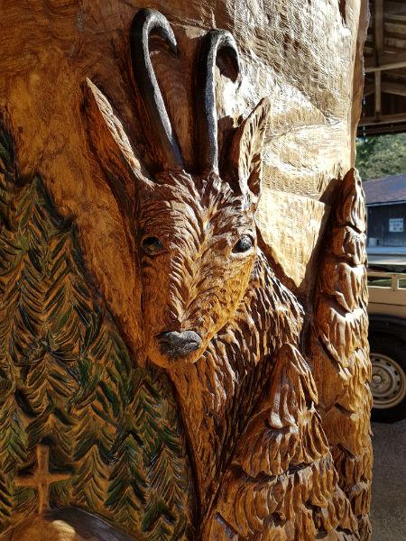 Steinbockrelief - Schnitzen mit der Kettensäge - Allgäu-Carving