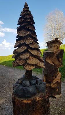 Baum - Schnitzen mit der Kettensäge - Allgäu-Carving by Martina Gast
