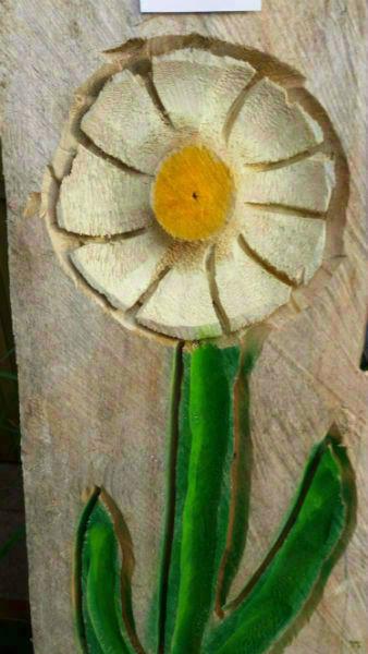 Blumenrelief - Schnitzen mit der Kettensäge - Allgäu-Carving by Martina Gast