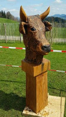 Kuh - Schnitzen mit der Kettensäge - Allgäu-Carving by Martina Gast